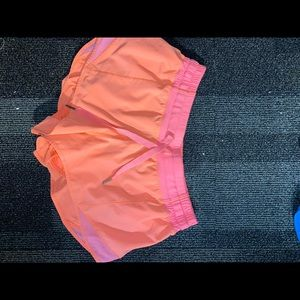 Lululemon bitty hot shorts 2.5 in